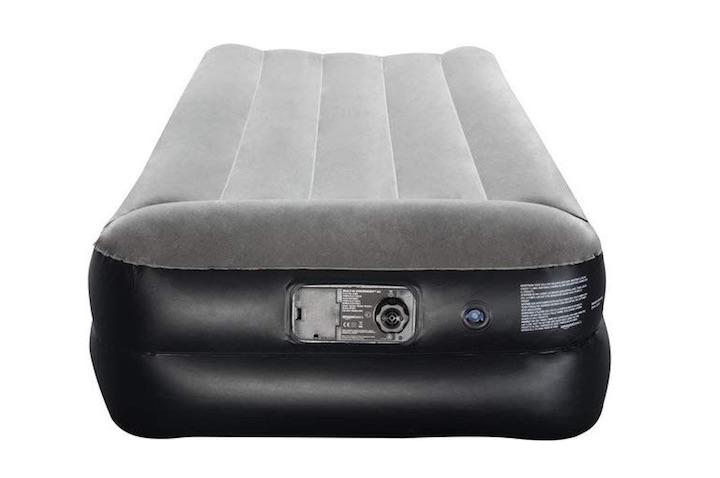AmazonBasics-aufblasbares-Bett-Anschlüsse-Oberseite