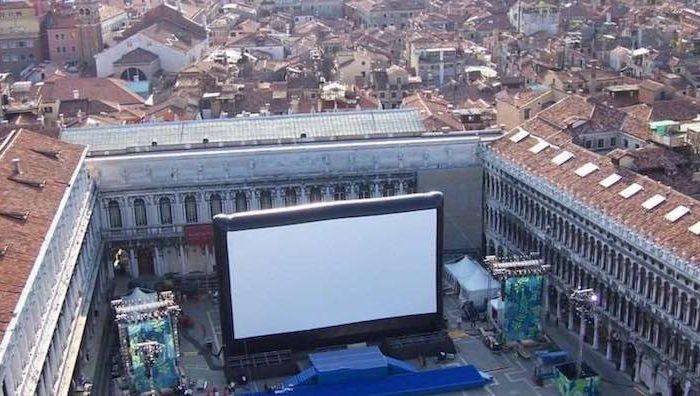 AIRSCREEN: Aufblasbare Leinwand für unvergessliches Kino