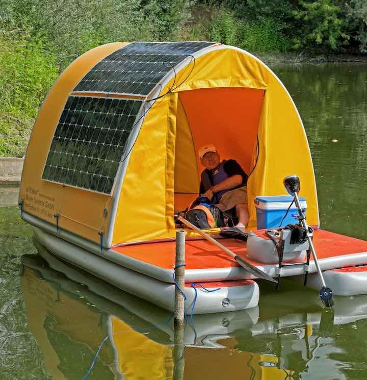 aufblasbares-Hausboot-schmal