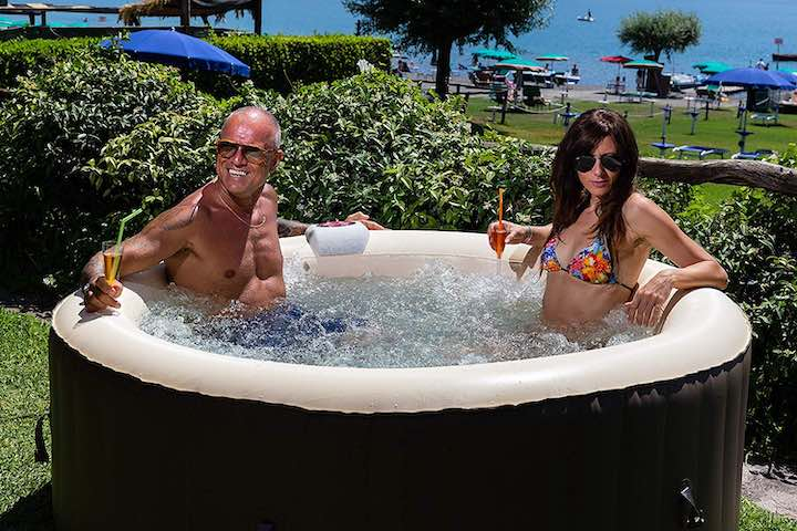 Jbay.Zone-aufblasbarer-Whirlpool-Spa-Mann-Frau-Natur-Strand-Wasser-Cocktail