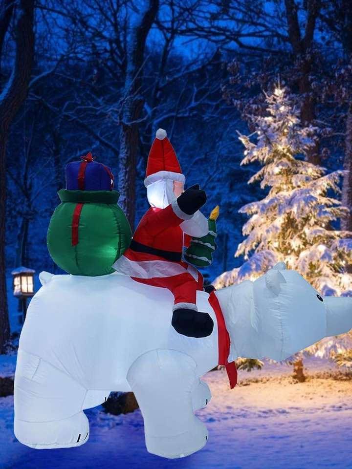 aufblasbarer-Weihnachtsmann-Eisbär-Tannenbaum-Schnee