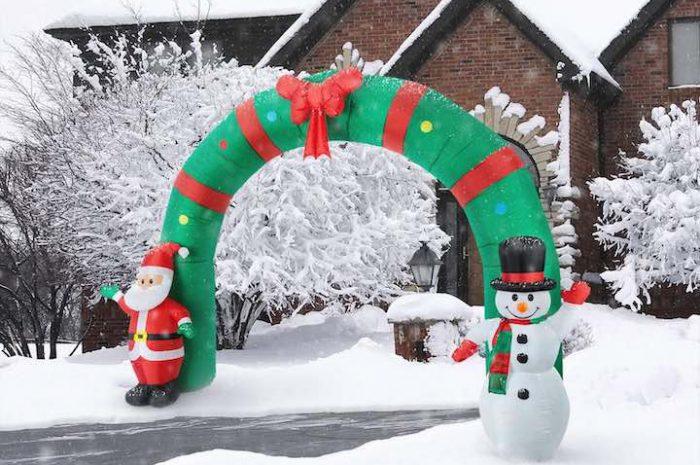 oneConcept Merry Welcome: Aufblasbarer Torbogen für die Weihnachtszeit