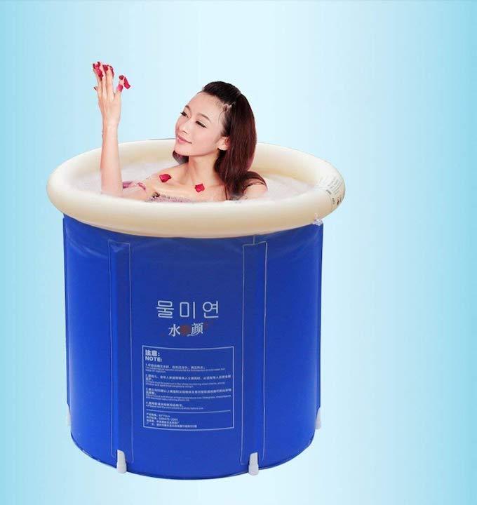 Badewanne-aufblasbar-mit-Frau