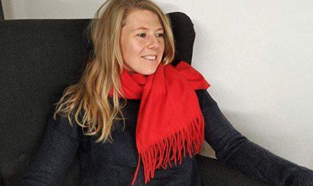 Travel Schal wird um den Hals getragen