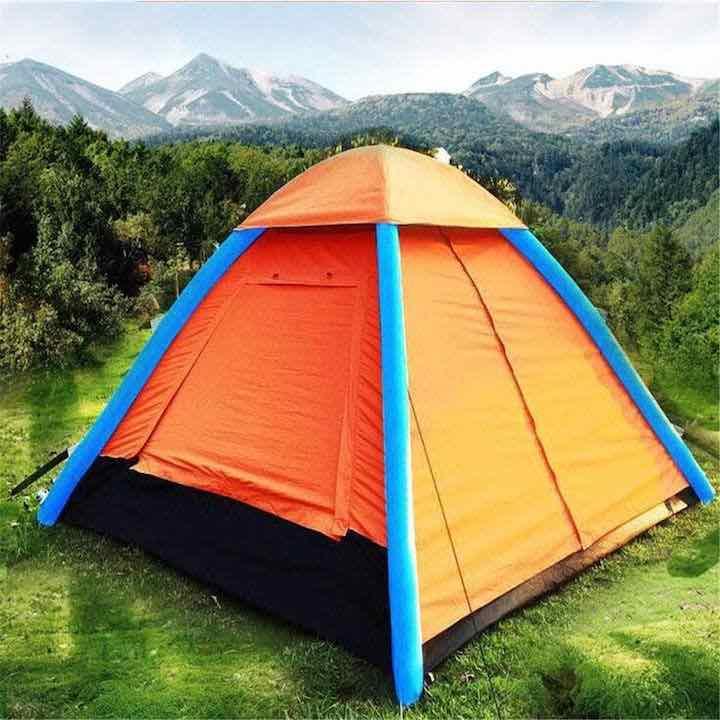 Anti-UV-Zelt-in-der-Natur-aufgebaut