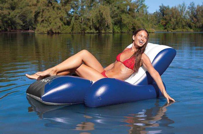 Aufblasbare Badelounge von Intex: Entspannung an Land & im Wasser