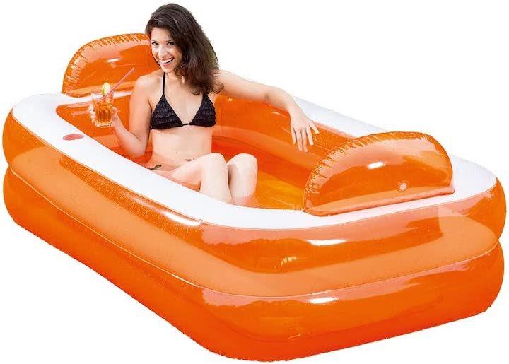 Aufblasbarer-Pool-und-Badewanne-von-Happy-People-mit-Frau