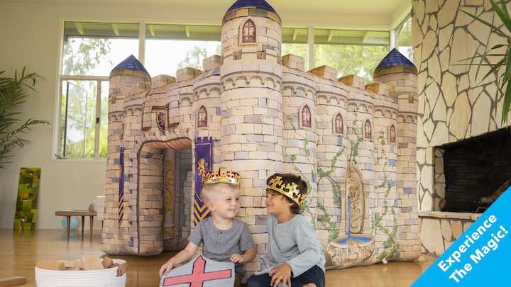 aufblasbares-Spielhaus-von-Inflatable-Kingdoms-mit-Kindern