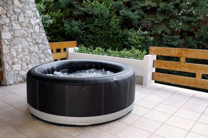 Aufblasbarer XXXL Whirlpool: Für die perfekte Auszeit In- & Outdoor