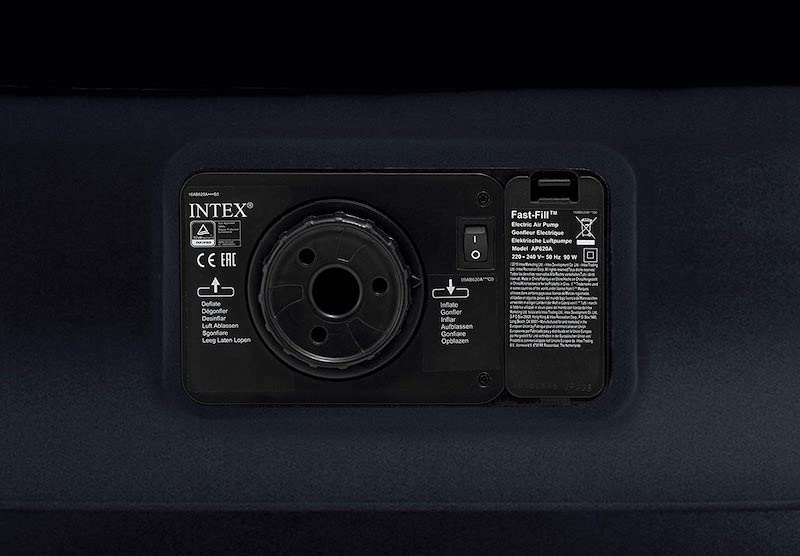 Integrierte-Luftpumpe-in-Luftbett