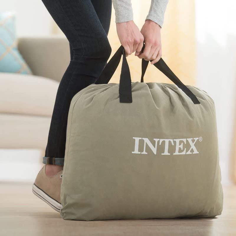 Intex-Luftbett-in-Transporttasche